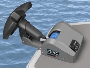 TRAC Deckboat40 river